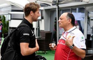 Romain Grosjean, Haas F1 Team speaks with Frederic Vasseur, Team Principal, Alfa Romeo Racing