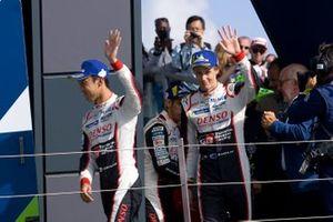 Гонщики Toyota Gazoo Racing Себастьен Буэми, Казуки Накаджима и Брендон Хартли
