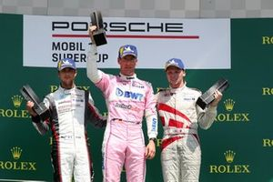 Podium: Race winnaar Michael Ammermüller, BWT Lechner Racing, tweede Michael Ammermüller, BWT Lechner Racing, derde Larry ten Voorde, MRS GT-Racing