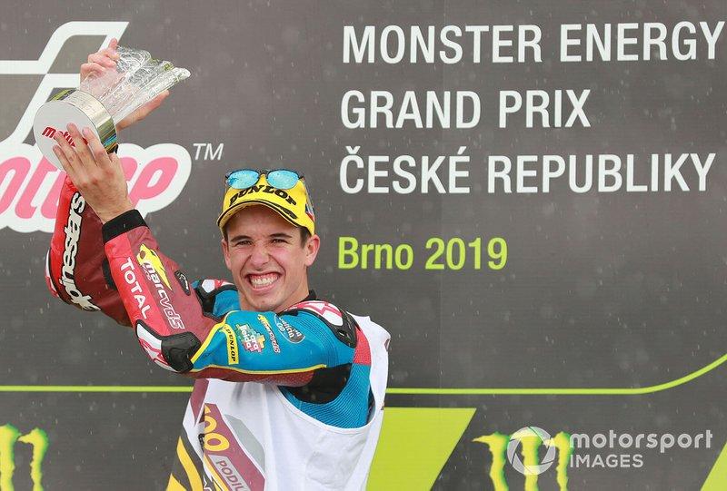 Во второй раз за сезон гонки во всех трех классах выиграли испанцы: Марк Маркес в MotoGP, Алекс Маркес в Moto2 (на фото) и Арон Канет в Moto3. Кроме того, во всех трех категориях именно испанцы возглавляют личный зачет.