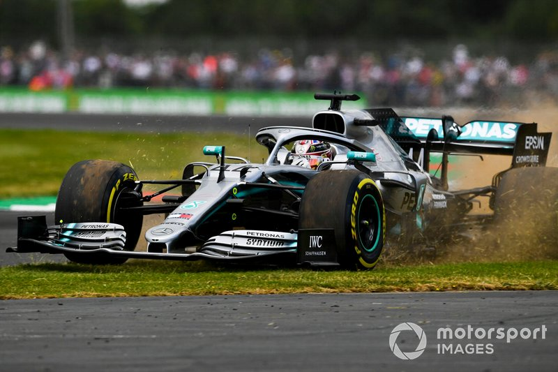 Lewis Hamilton, Mercedes AMG F1 W10, gets on the grass
