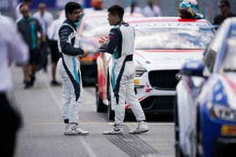 Ahmed Bin Khanen, Saudi Racing, Yaqi Zhang, Team China chat on the grid