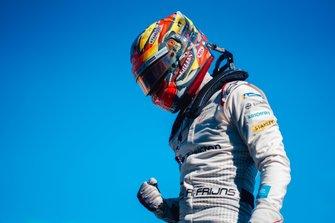 ganador de la carrera Robin Frijns, Envision Virgin Racing celebra en parc ferme