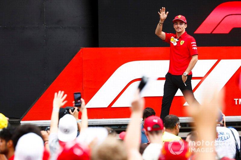 Charles Leclerc, Ferrari sul palco nella fan zone