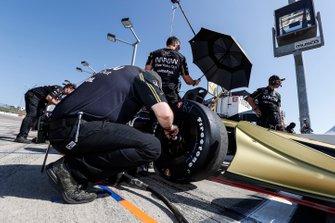 La crew di James Hinchcliffe, Arrow Schmidt Peterson Motorsports Honda