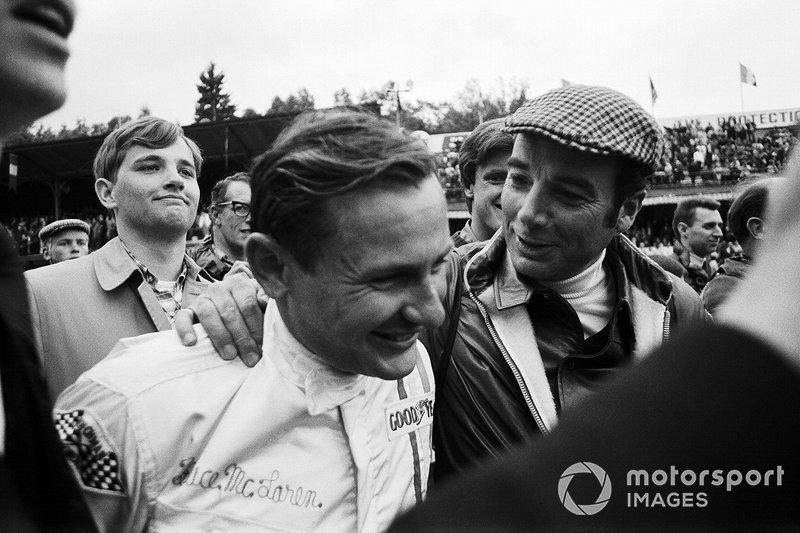 Bernard Cahier and Bruce McLaren, McLaren