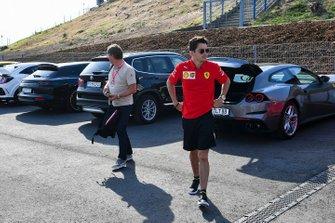Charles Leclerc, Ferrari arriva al circuito