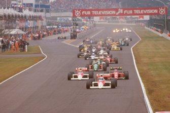 Start zum GP Japan 1989 in Suzuka: Alain Prost, McLaren MP4/5, führt