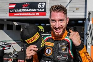 Polesitter #63 GRT Grasser Racing Team Lamborghini Huracan GT3 Evo: Mirko Bortolotti