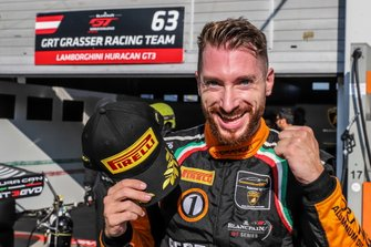 Pole sitter #63 GRT Grasser Racing Team Lamborghini Huracan GT3 Evo: Mirko Bortolotti