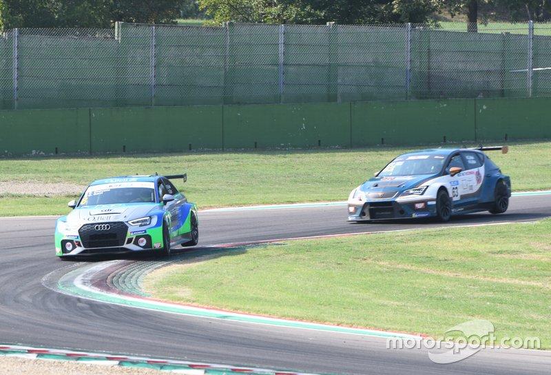 Giacomo Barri, Ermanno Dionisio, BF Motorsport, Audi RS 3 LMS, davanti ad Alessandro Altoè, Giovanni Altoè, Cupra TCR