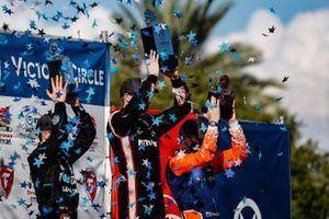Race winner Josef Newgarden, Team Penske Chevrolet