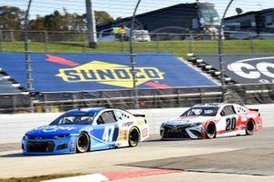 Ricky Stenhouse Jr., JTG Daugherty Racing, Chevrolet Camaro Kroger, Erik Jones, Joe Gibbs Racing, Toyota Camry Toyota Camry