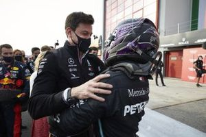 Lewis Hamilton, Mercedes-AMG F1, 1st position, and Toto Wolff, Executive Director (Business), Mercedes AMG, celebrate in Parc Ferme