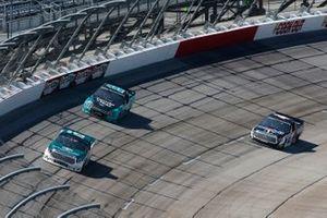 Austin Hill, Hattori Racing Enterprises, Toyota Tundra Gunma Toyopet Raphael Lessard, Kyle Busch Motorsports, Toyota Tundra Mobil 1