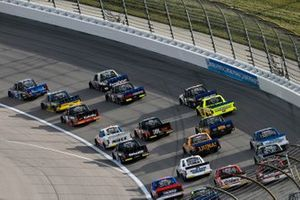Austin Hill, Hattori Racing Enterprises, Toyota Tundra Toyota Tsusho and Todd Gilliland, Front Row Motorsports, Ford F-150 Speedco