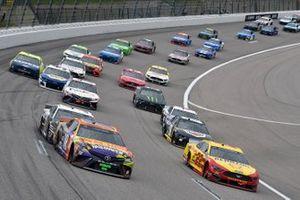 Kyle Busch, Joe Gibbs Racing, Toyota Camry M&M's Halloween and Joey Logano, Team Penske, Ford Mustang Shell Pennzoil