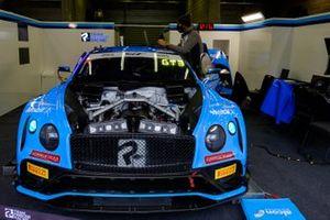 #11 Team Parker Racing Bentley Continental GT3: Nicolai Kjaergaard, Euan McKay, Frank Bird