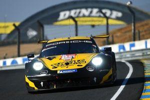 #89 Team Project 1 Porsche 911 RSR: Steve Brooks, Julien Piguet, Andreas Laskaratos