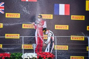 Race Winner Frederik Vesti, Prema Racing and Theo Pourchaire, ART Grand Prix celebrate on the podium with the champagne