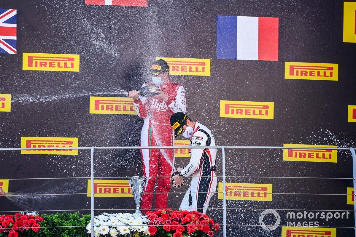 Podio: Ganador Frederik Vesti, Prema Racing y tercero Theo Pourchaire, ART Grand Prix