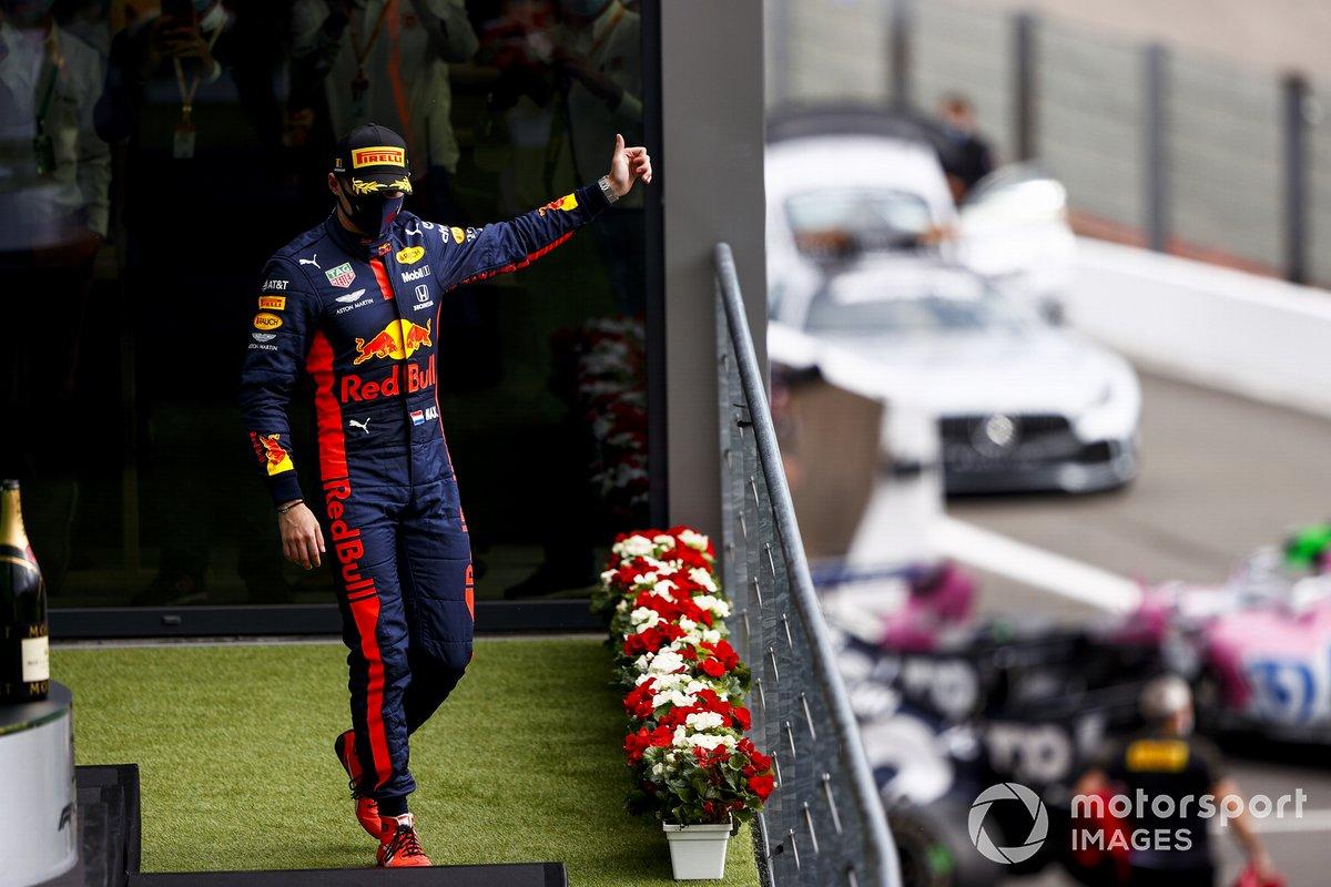 Podio: tercer lugar Max Verstappen, Red Bull Racing celebra