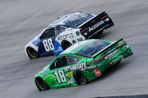 Kyle Busch, Joe Gibbs Racing, Toyota Camry Interstate Batteries, Alex Bowman, Hendrick Motorsports, Chevrolet Camaro Acronis