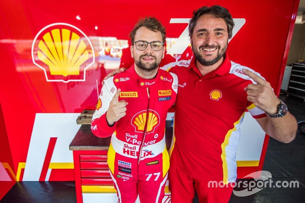 Raphael Reis e Serafin Jr celebram o título de 2018 na Stock Light