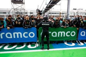 Lewis Hamilton, Mercedes-AMG F1, 1st position, celebrates with his team in Parc Ferme