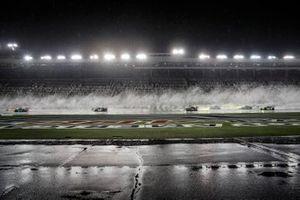 IMSA-Action auf dem Charlotte Motor Speedway bei Regen