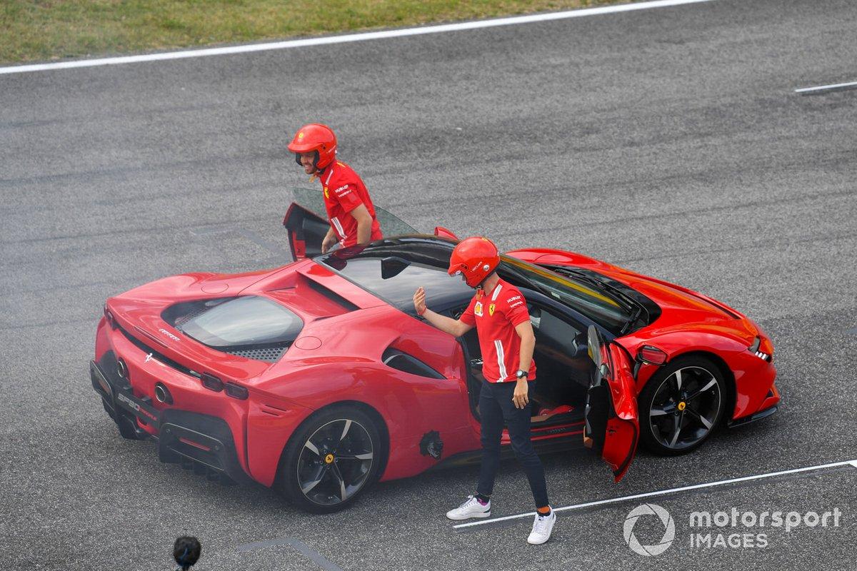 Sebastian Vettel, Ferrari, guida una SF90 Stradale