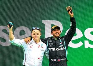 Peter Bonnington, Race Engineer, Mercedes AMG, and Lewis Hamilton, Mercedes-AMG F1, 1st position, celebrate on the podium