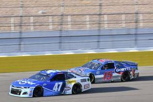 #47: Ricky Stenhouse Jr., JTG Daugherty Racing, Chevrolet Camaro Kroger #15: Brennan Poole, Premium Motorsports, Chevrolet Camaro Goettl