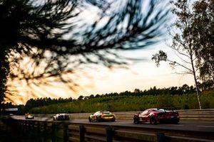 #98 Aston Martin Racing Aston Martin Vantage: Paul Dalla Lana, Augusto Farfus, Ross Gunn, #82 Risi Competizione Ferrari 488 GTE Evo: Olivier Pla, Sébastien Bourdais, Jules Gounon