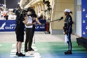 Winnaar Lewis Hamilton, Mercedes, met de pers