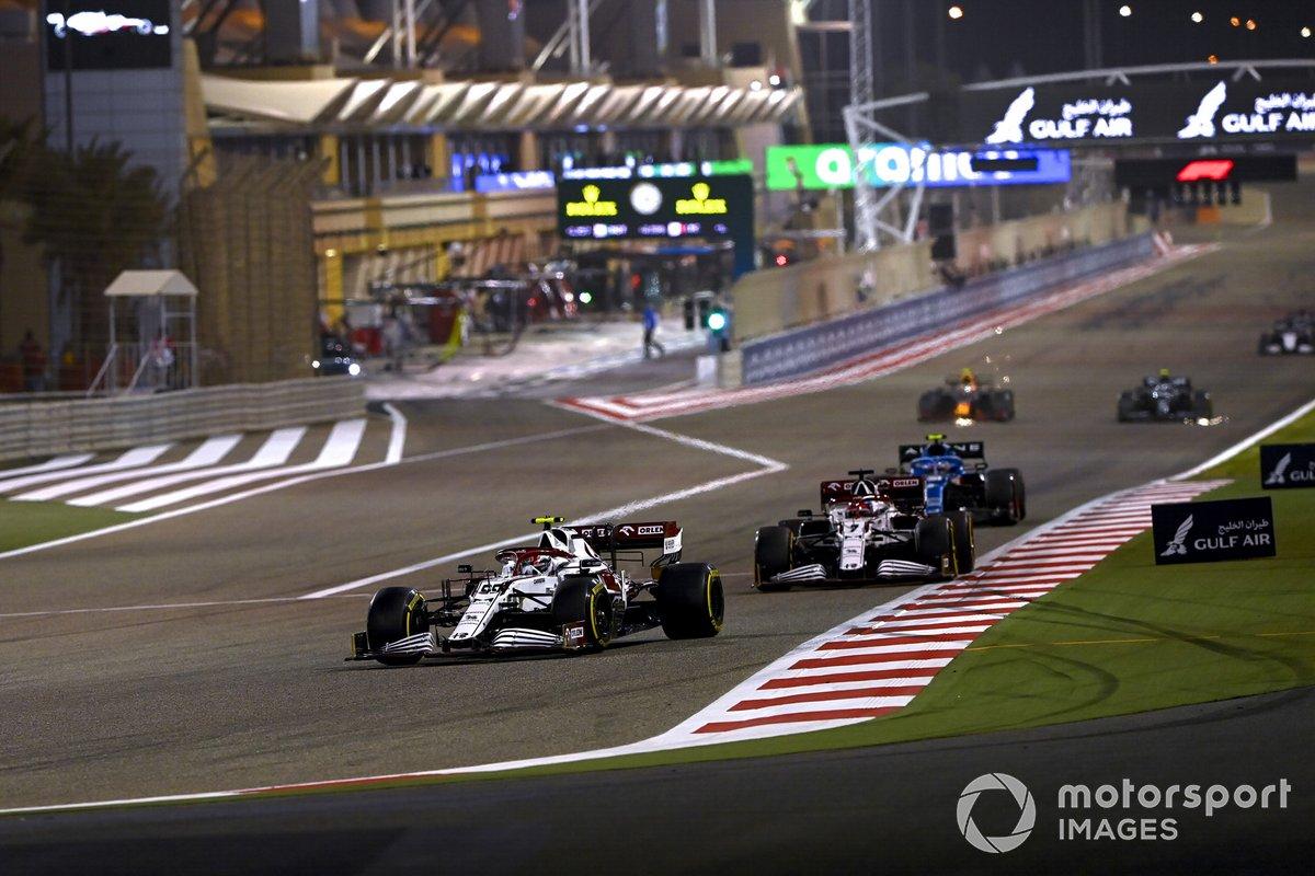 Antonio Giovinazzi, Alfa Romeo Racing C41, Kimi Raikkonen, Alfa Romeo Racing C41, Esteban Ocon, Alpine A521