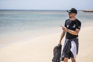Jenson Button, JBXE Extreme-E Team, on a beach clean