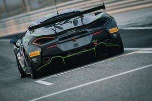 #77 Optimum Motorsport, McLaren 570 GT4 Jan Klingelnberg, Warren Hughes, Lars Dahmann, Charlie Hollings