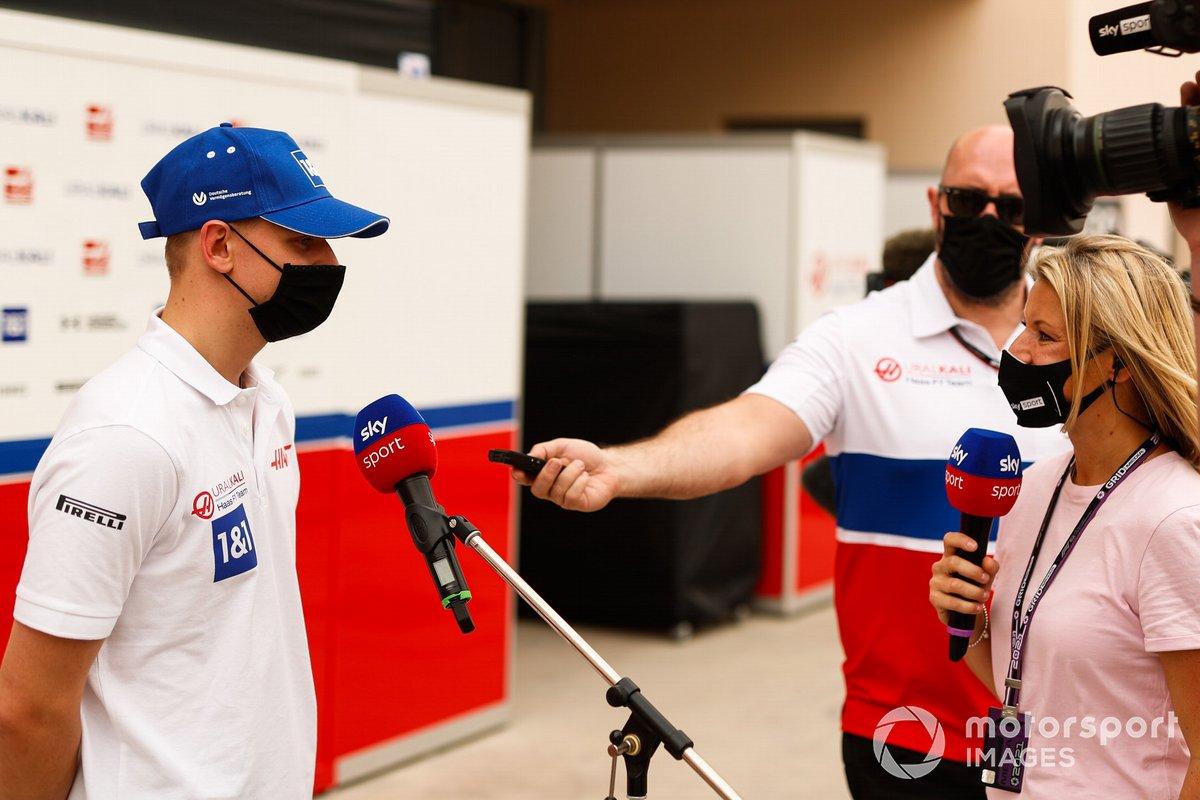 Mick Schumacher, Haas F1, parla con la stampa