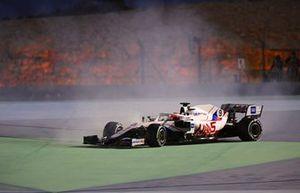 Nikita Mazepin, Haas VF-21 runs wide