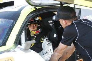 Jenson Button, JBXE Extreme-E Team, Parla con Mikaela Ahlin-Kottulinsky, JBXE Extreme-E Team