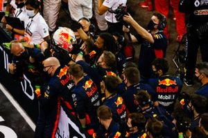 Max Verstappen, Red Bull Racing, 1st position, celebrates with his team on arrival in Parc Ferme