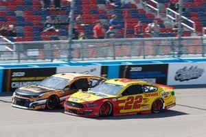 Kurt Busch, Chip Ganassi Racing, Chevrolet Camaro Gearwrench, Joey Logano, Team Penske, Ford Mustang Shell Pennzoil