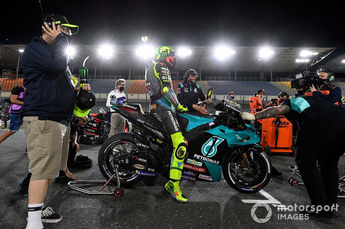 Valentino Rossi, Petronas Yamaha SRT y en primer plano Uccio Sulucci