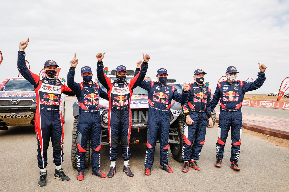 #302 X-Raid Mini JCW Team: Stéphane Peterhansel, Edouard Boulanger, #301 Toyota Gazoo Racing: Nasser Al-Attiyah, Matthieu Baumel, #300 X-Raid Mini JCW Team: Carlos Sainz, Lucas Cruz