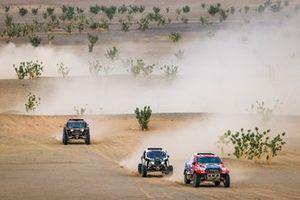 #338 Ultimate Dakar Toyota: Tomas Ourednicek, David Kripal