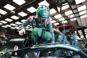 Lance Stroll, Aston Martin, s'installe dans son siège