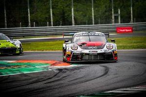 #56 Dinamic Motorsport Porsche 911 GT3-R: Mikkel O. Pedersen, Andrea Rizzoli, Romain Dumas