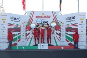 Il podio della Classe PRO: primo posto Roger Grouwels, Race Art - Kroymans , secondo posto, Ernst Kirchmayr, Baron Motorsport, terzo posto Axel Sartingen, Lueg Sportivo