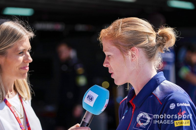 Nicki Shields, Alice Powell, Novato piloto de pruebas para Envision Virgin Racing